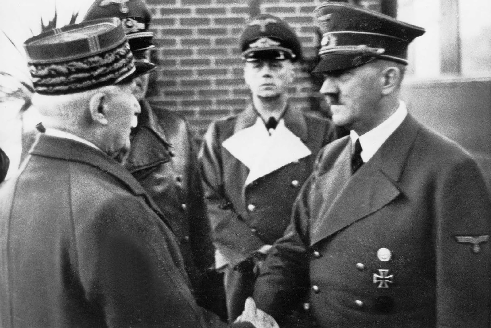 Pétain rencontre Hitler, 1940