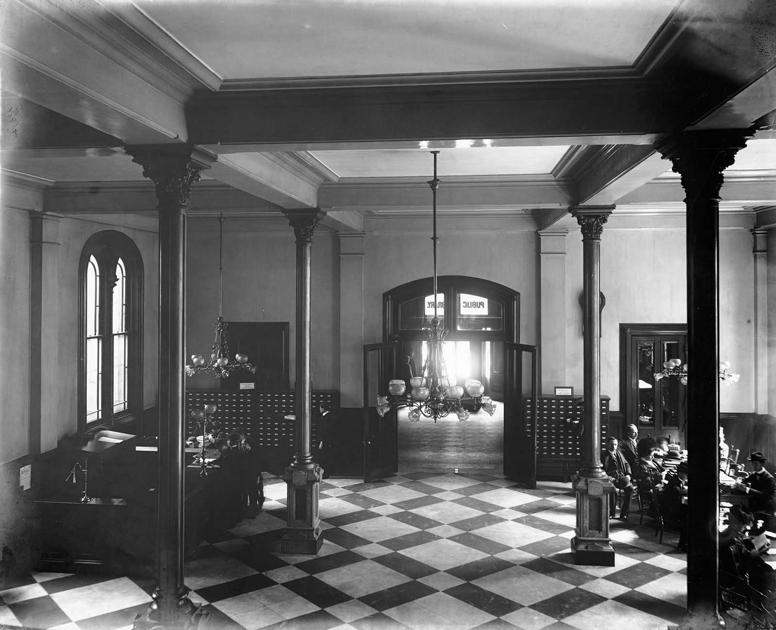 ex biblioteca di Cincinnati prima di essere demolita, 1874-1955'Ancien Cincinnati Bibliothèque avant d'être démoli, 1874-1955