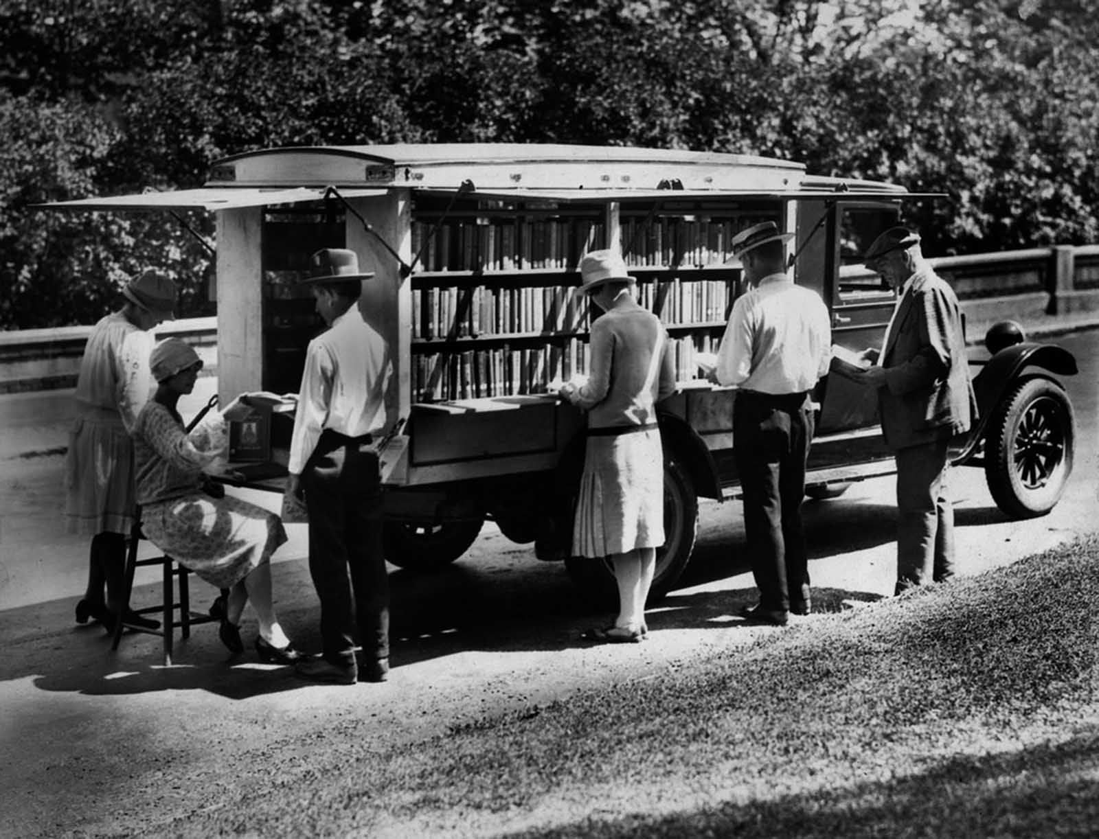 Le bibliobus – Vintage photos de voyage des bibliothèques, des années 1910-années 1960