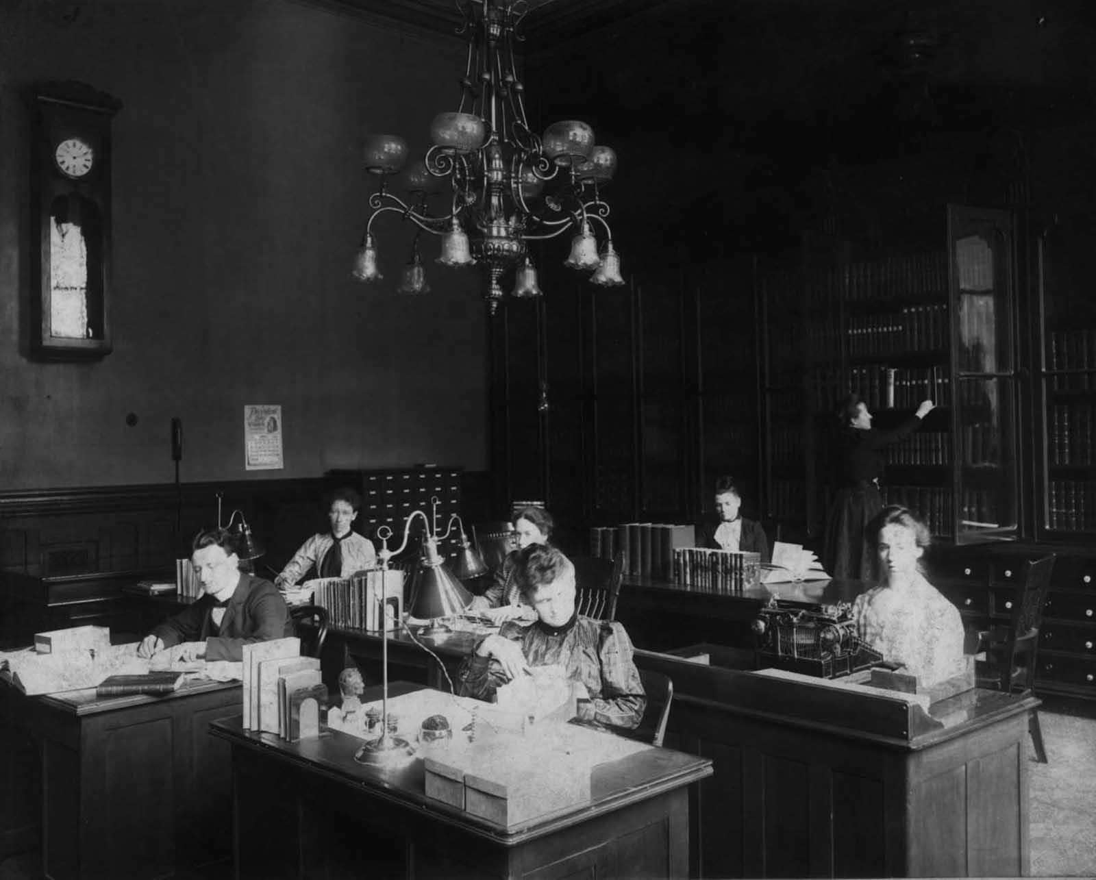 a Biblioteca di Cincinnati prima di essere demolita, 1874-1955'Ancien Cincinnati Bibliothèque avant d'être démoli, 1874-1955