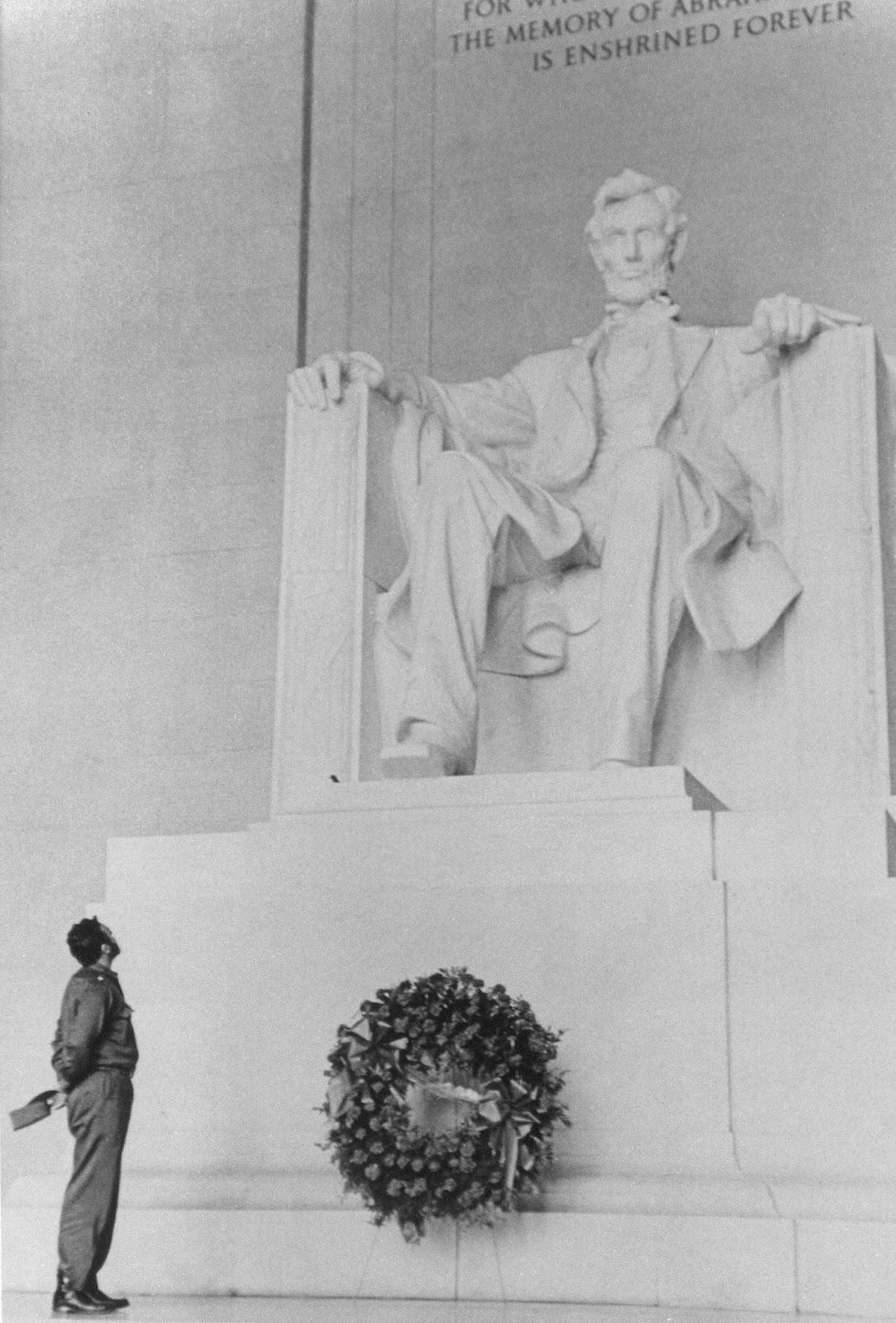 Fidel Castro au Lincoln Memorial, 1959