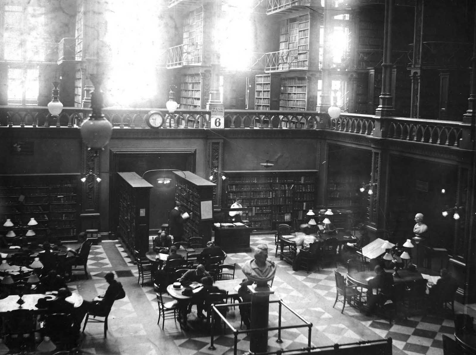 La vecchia Biblioteca Cincinnati prima di essere demolita, 1874-1955'Ancien Cincinnati Bibliothèque avant d'être démoli, 1874-1955