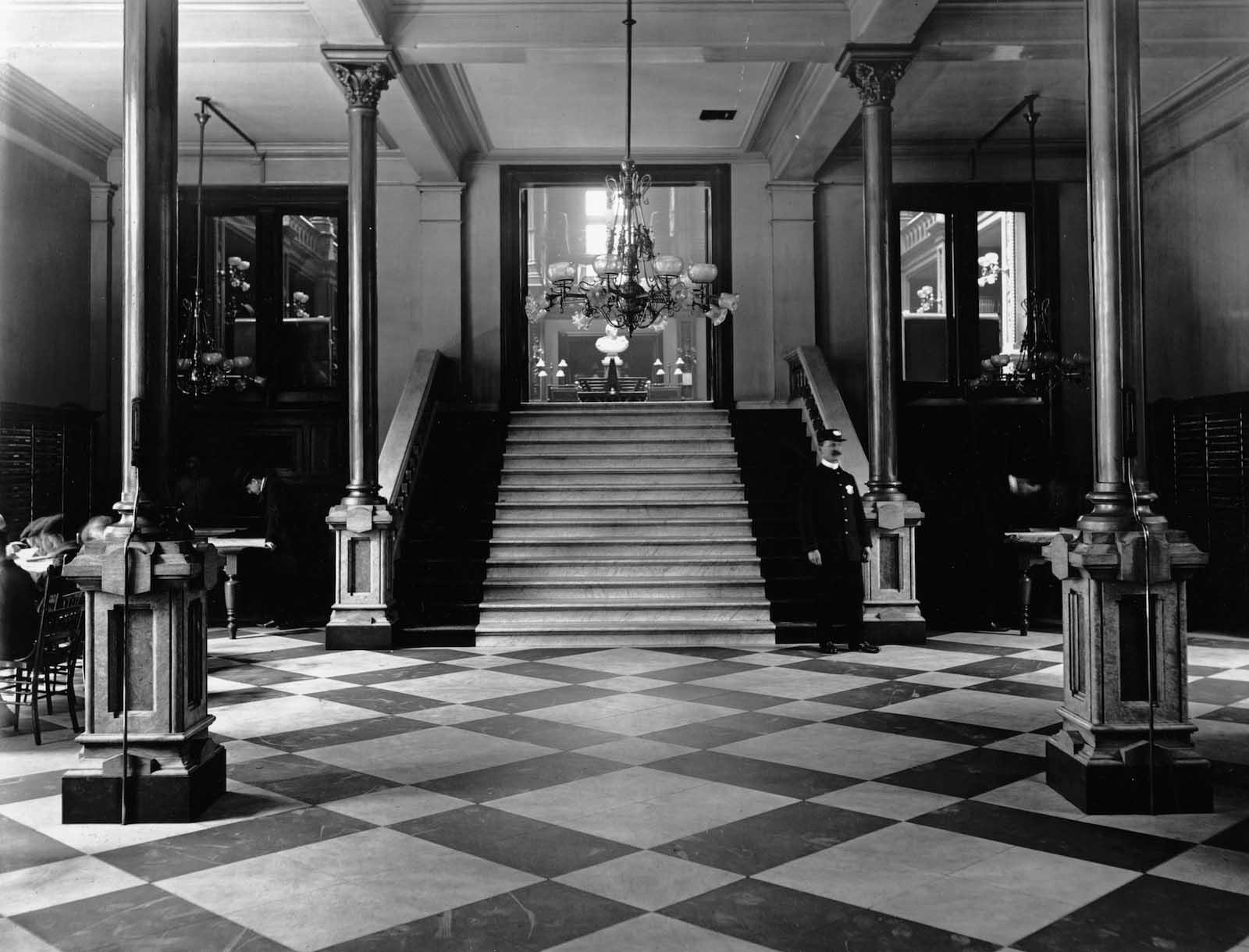 L'ex biblioteca di Cincinnati prima di essere demolita, 1874-1955'Ancien Cincinnati Bibliothèque avant d'être démoli, 1874-1955