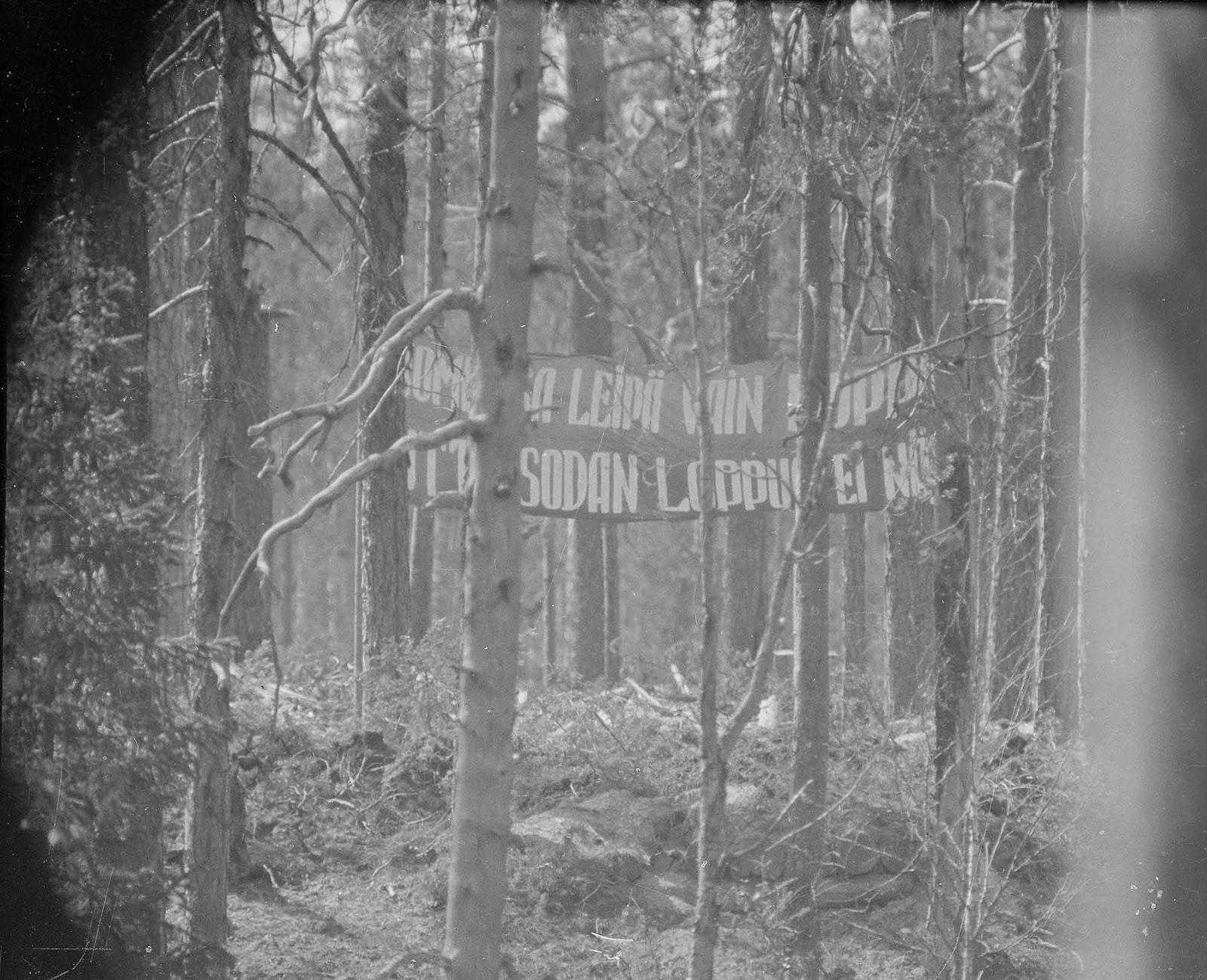 Soviétique de première ligne de la propagande bannière dirigée vers les Finlandais, 1942