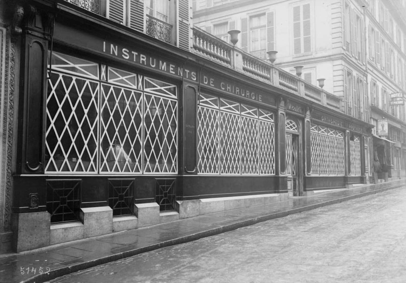 Quand Paris était protégé par des sacs de sable et du ruban adhésif, 1914-1918
