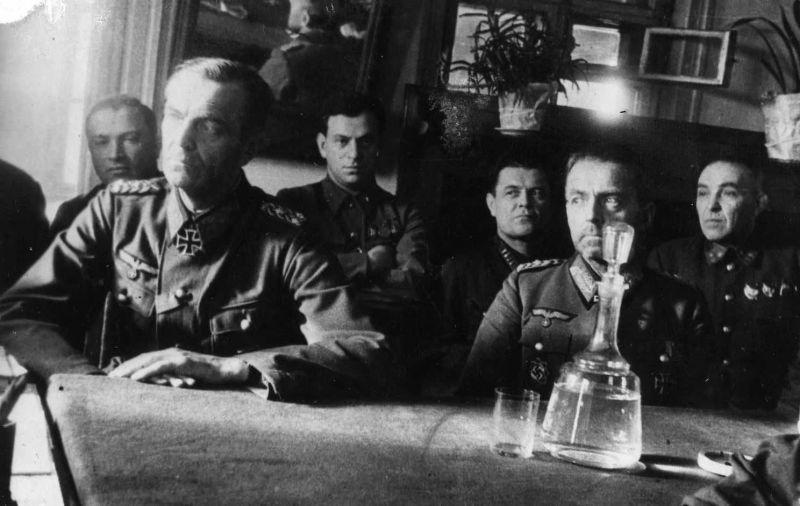 Capturé le maréchal Friedrich Paulus sous interrogatoire à Beketovka. Janvier-février 1943