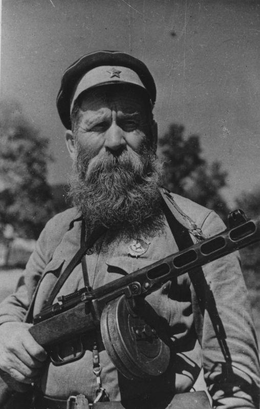 Commandant du quartier général du 33e régiment cosaque de la 15e division des cosaques de Don, maître P.S. Kurkin. 1942 g.