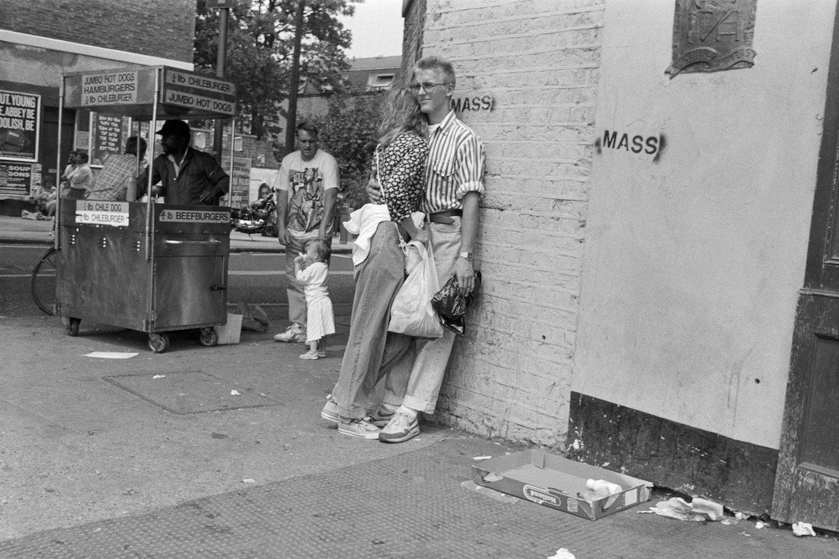24 photos de personnes sur Camden High Street, Londres en 1990